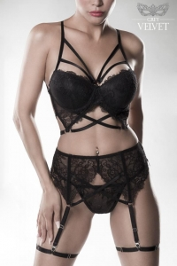 Seductive Lace Bra Set with Garter by Grey Velvet